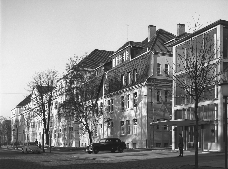 Foto des BMI-Gebäudes in Bonn aus dem Jahr 1955